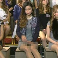 テレビで見かけた、ミニスカにベージュパンストを履いた女の子のパンチラがエロ過ぎる!!
