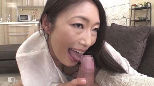 亀頭の裏側を入念にペロペロする小早川怜子