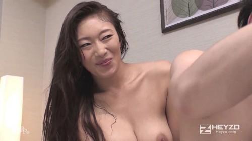 小早川怜子の満足そうな笑み